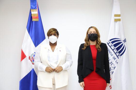 Ministra de la Juventud se reúne con directora de Prosoli para tratar temas de interés común