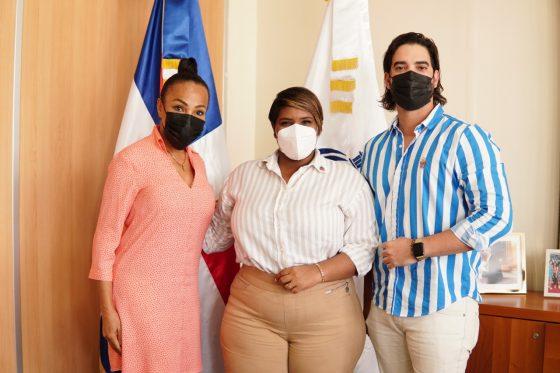 Ministra de la Juventud recibe en su despacho a la directora de la organización Miss República Dominicana Universo