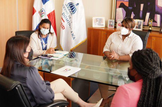 Ministra de la Juventud se reúne con presidenta del Colegio Dominicano de Psicólogos (Codopsi)