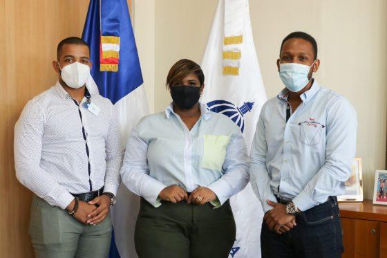 Ministra de la Juventud recibe en su despacho a la Asociación Nacional de Estudiantes de Ingeniería Civil (Aneic)